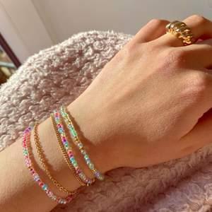 Du kan designa dina egna armband eller ringar som vi gör och skickar till dig nästa dag! Ringar kostar 10kr