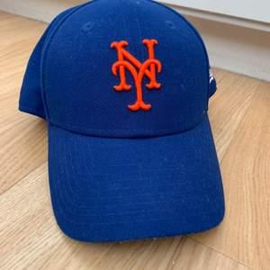 Keps från new era. Baseboll lag: Mets. 9 forty. Äkta vara. Passar kvinna och man. Justerbar.