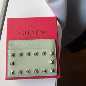 Valentino garavani korthållare givetvis äkta och äkthetsbevis kan visas ❤️