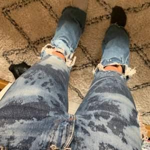 Egen blekta och sydda jeans ifrån zara.