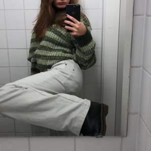 Superfin stickad tröja som jag brukar ha som klänning men även tröja om jag viker upp den i behån!! Tröjan är från nakd och i mycket bra skick