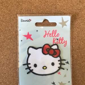Urgulliga Hello Kitty patches 🌸 1 för 60:-  2 för 100:- ❤️❤️ fri frakt vid köp av 2 eller fler, annars 10:-❤️ TVÅ BORTA NU ❤️