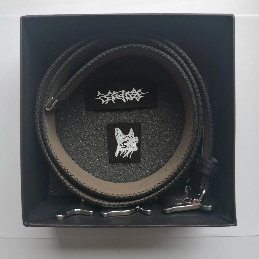 """Sad Boys Gear Love Belt Size: 38  Color: Black  Condition: Used """"thaiboy digital, yunglean and yungsherman wearing these LOVE belt"""". Accessoarer."""