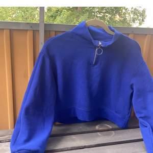 Snygg tröja från H&m. Sparsamt använd, storlek S. 70kr frakten ingår🤩