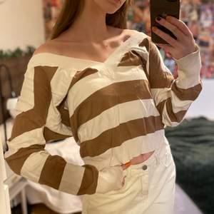 Superfin tröja som aldrig kommer till användning, lite för stor för mig som egentligen är en xs/s!😁 frakt ingår ej🥰
