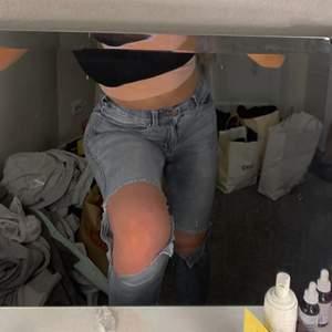 Ljustvättade slitna jeans ifrån Dr denim