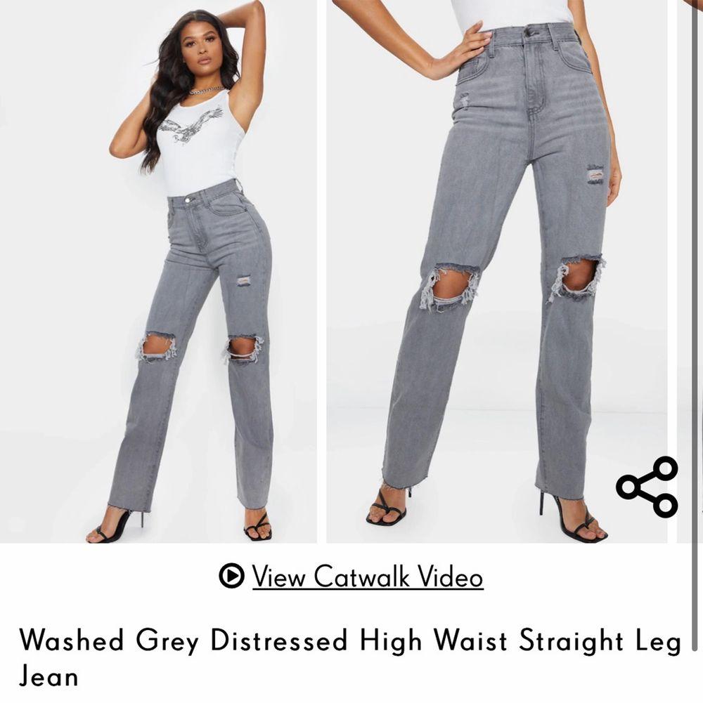 Hur snygga som helst men kommer tyvärr inte till användning! I nyskick. Avklippta så passar 155-165 cm. Köpare står för frakt💕. Jeans & Byxor.