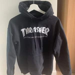 Trasher hoodie i fint skick