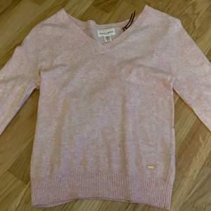 en babyrosa stickad tröja från Lindex💕 nyskick! frakt ingår i priset🌸⚡️