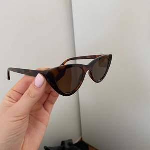 Solglasögon från mango!