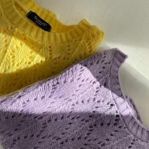 Jötte dina stickade tröjor som tyvärr inte längre får plats i garderoben. Jätte härliga vårfärger! Knappt användna och i jättebra skick. Säljer för 100kr styck!