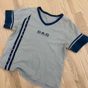 Vintage Dolce & gabbana t-shirt, fint skick. Eventuell budgivning i kommentarerna