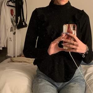 Fin tröja från vero Moda strl xs. Titta gärna in mina andra annonser då jag kan samfrakta ❤️