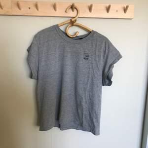 Fin t-shirt i nyskick! Köparen står för frakten!
