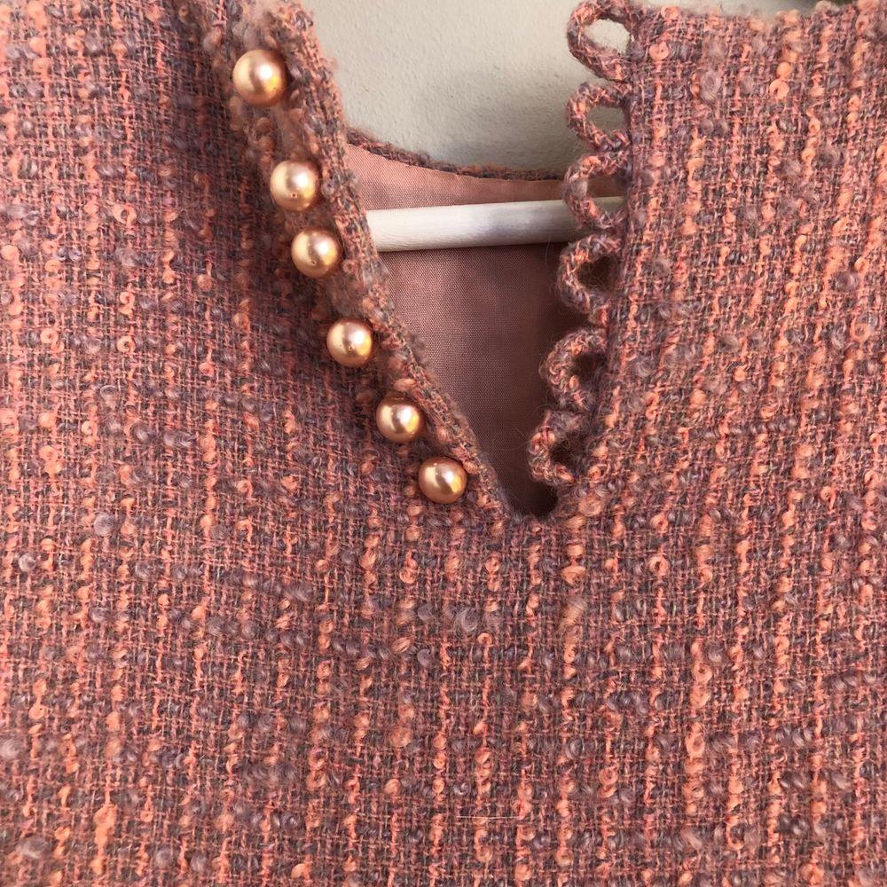 Vintage klänning i stickat material, innerklänning. Passar mig dom har S❤️. Klänningar.
