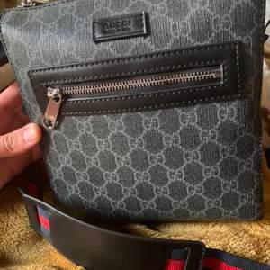 Säljer en skön Gucci Messenger bag. Bättre kvalité hittar du inte. Byten kan funka.