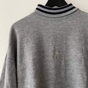 Sweatshirt köpt secondhand i storlek L💖 bara att skriva för fler bilder💕