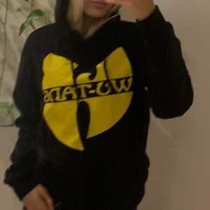 Säljer min Wu-Tang Clan hoodie. Köpt för 649kr på junkyard. Sparsamt använd. Köparen står för frakten💋