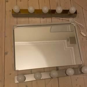 Säljer dessa smink lampor och spegel för totalt 550kr. Man kan köpa bara lamporna eller bara spegeln om man så vill :) Så bra ljus och fint skick förutom lite små slit på sladden men inget märkvärdigt. Kan mötas upp!