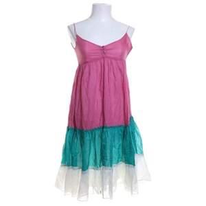 Superfin klänning från Zara i storlek XS
