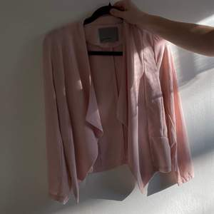 Kavajliknande rosa tröja❤️ frakt går på 48kr