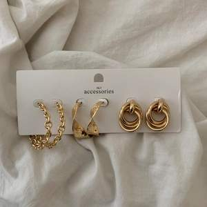 Säljer detta sett med 3 örhängen som är jättefina. Örhängerna är aldrig använda och inte ens testade. Sista bilden är lånad och liknar ena paret!! 💜💜