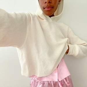 Cropped Waffle Hoodie - size M