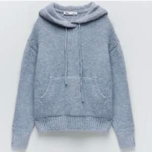 Säljer min helt oanvända zara hoodie som är i storlek S. Skriv privat för fler bilder eller funderingar❤️❤️