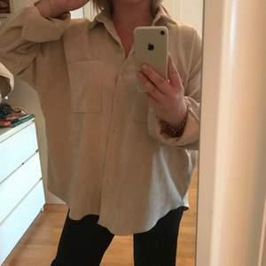 Manchester skjorta i oversized modell