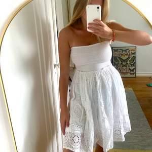 Super söt spets klänning i storlek 34☁️🤍🌫