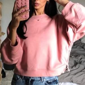 Superfin rosa tröja! passar xs-m beroende på önskad passform!