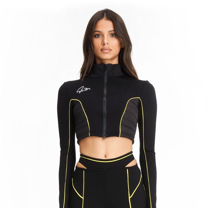 Supercool completely new i am gia cropped jacket, XS, new with a tag.  Ordered from abroad but its too small for me ;( the model itself is sold out. Please dont ask for pics on the body Cos it doesnt fit me. . Jackor.