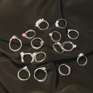 Om man vill ha en annan färg säg till skicka mått privat så gör jag en ring efter ditt finger, om man köer 4 går man en valfri gratis