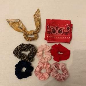 Säljer ett kit där du får alltihopa för 150kr. 7 scrunchies samt en scarf. Scarfen har jag använd i håret och som topp! Älskar den verkligen men har använda andra scarfar mer på senaste tiden... 💕🥳 buda i kommentarerna eller skriv privat för snabb affär! 🥰