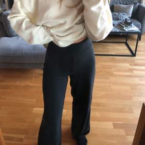 Vida kostymbyxor från ginatricot jätte bra skick!❤️
