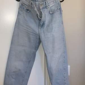 Ljus blåa jeans från Gina ( vet nt modellen )