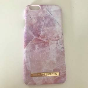 Fint rosa marmor skal från ideal of sweden. För iPhone 6/6s. I bra skick. Frakt tillkommer som köparen står för. Priset går att diskutera. Köpt för 299kr