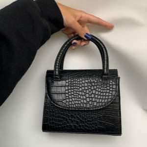 Cute small handbag with Detachable string! Frakt tilkommer! Kan mötas upp i Stockholm!