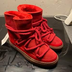 Säljer ett par INUIKII skor som är i storlek 38.        Sjävklart är dom äkta, kontakta mig för mer info/bilder. Mvh