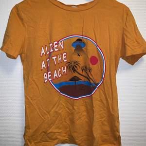 Cool vintage t-shirt med tryck.