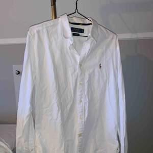 Ralph Lauren skjorta knappt använd