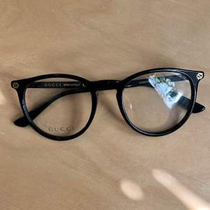 Vintage Gucci glasses, neutral lenses, perfect conditions! Original of course, but I don't have anymore the original case!  Shipping included