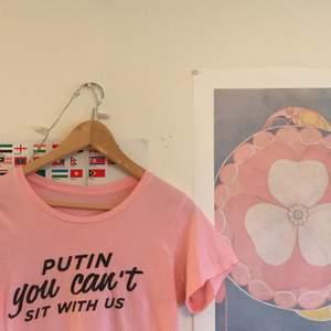 Ball tröja från Rebecca & fionas klädmärke faggot apparel 😈 Färgen stämmer mest överens med första bilden. Frakt ingår!!!