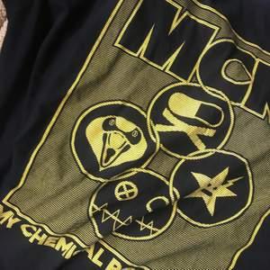 My chemical romance t-shirt från danger days eran, storlek XL fint skick. 170 + frakt 🖤✨
