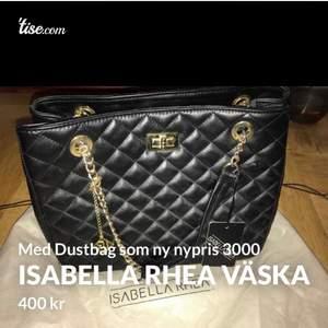 Väska från Isabella Rhea, äkta italienskt läder så icke vegansk. Nypris var 3000kr, säljes för endast 400kr. Kommer med dustbag, etikett mm...