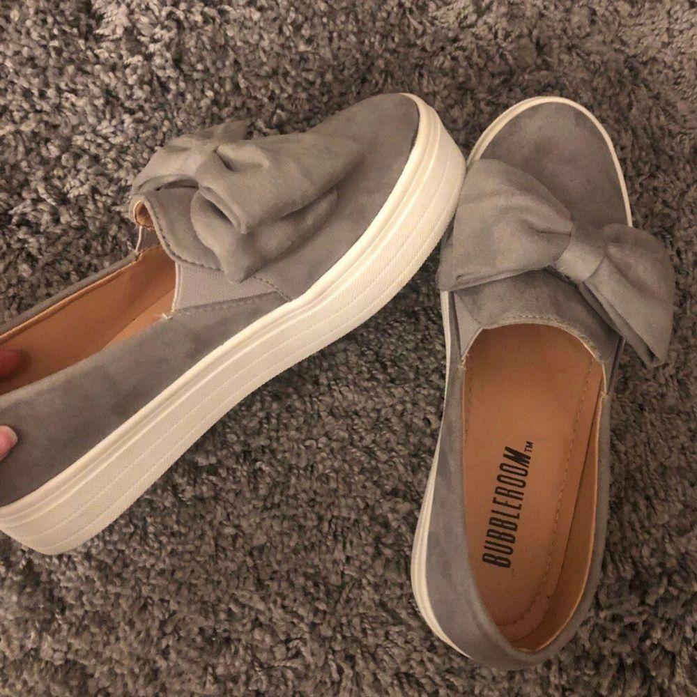 Supersöta skor från bubbleroom men tyvärr för stora för mig och därför knappt använda.. Skor.