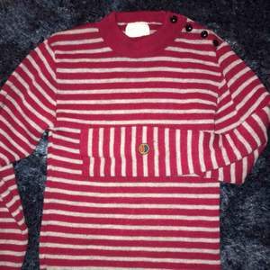 Stickad Busnel tröja i 100% ull, såå skön nu till hösten o vintern✨