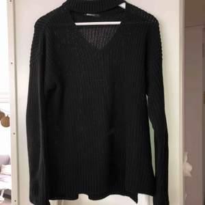 Snygg svart tröja från Gina. Oanvänd. Ev frakt 39kr🌸