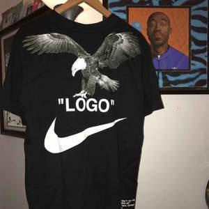 Off-White x NikeLabs, storlek L, tvättad endast ett fåtal gånger, köpt på Sneakersnstuff på droppet, 100% bomull, pris kan diskuteras