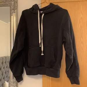 bershka hoodie, strl s 💕 köpt för ca 300, säljer för 150+ frakt, världens skönaste hoodie